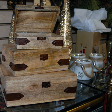 jewelry boxes, cloth boxes